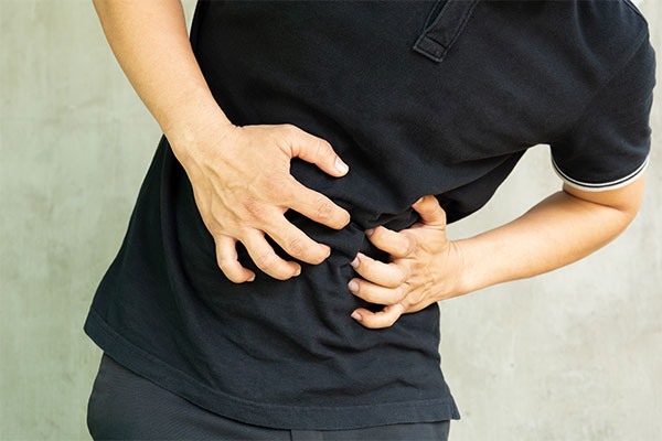 8 Signs and Symptoms of Kidney Stones
